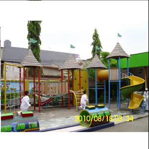 Playground Besar By Oris Sarana Kreatif