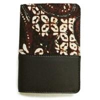 Buku-paspor case batik