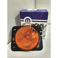 Jual Lampu Mobil Side Marker Lamp atau Lampu Fender Standard Jeep JK Wrangler versi Usa merek Mopar