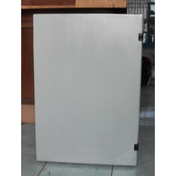 Panel Box Indoor ukuran 40x50x22cm Ketebalan Plat 1.6mm