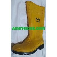 Distributor Sepatu Safety Boots Karet Ujung Besi 3