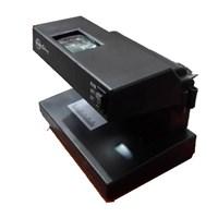 Distributor Alat Sensor Uang Alat Deteksi Uang Palsu Dengan Kaca Pembesar 3