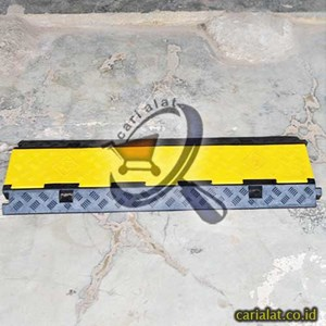 Dari Speed Bump with Cable Protector 0