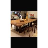 meja makan dan kursi kayu solid