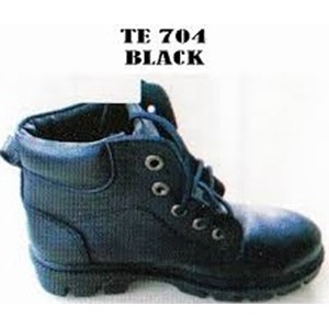 Sepatu Safety Threeman 704