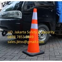 TRAFFIC CONE SAFETY KEAMANAN JALAN KENDARAAN PVC HIGH QUALITY REFLECTIVE BLACK BASE DIAMETER 36 INCH