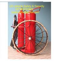 alat alat pemadam kebakaran api besar spbu catridge racun api beroda 150 kg trolly murah 1
