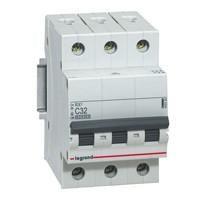 MCB atau Circuit Breaker 3P 400V 3A