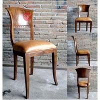 Italian Dining Chair Furnitur Ruang Makan