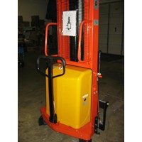 Jual Semi Electric Stacker DALTON type DYC kapasitas 1 sampai 2 Ton Tinggi 1.6 meter