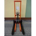 Hand Stacker Manual Kapasitas 1 Ton Tinggi 2.5 Meter dan 3 Meter 1