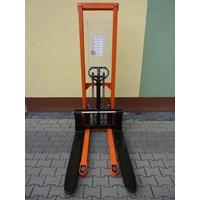 Hand Stacker Manual DALTON Kapasitas 1 sampai 2 Ton Tinggi 1.6 Meter Murah 5