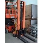 Hand Stacker Semi Electric DALTON Kapasitas 1 sampai 2 Ton Tinggi Angkat 2 Meter sampai 3.5 Meter 3