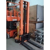 Hand Stacker Semi Electric DALTON Kapasitas 1 sampai 2 Ton Tinggi Angkat 2 Meter sampai 3.5 Meter Murah 5