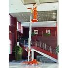 Tangga Hidrolik Aluminium Work Platform Single Mast untuk 1 Orang Tinggi 10 Meter sampai 12 Meter 4