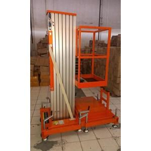 Tangga Hidrolik Aluminium Work Platform Single Mast untuk 1 Orang Tinggi 10 Meter sampai 12 Meter