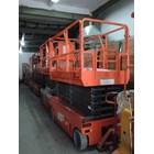 Mobile Vertical Lift Model Gunting Scissor Lift Tinggi 12 Meter sampai 16 Meter 2