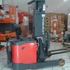 Hand Lift Full Elektrik Stacker 1.5 Ton Tinggi Angkat 3.4 Meter sampai 6 meter 4