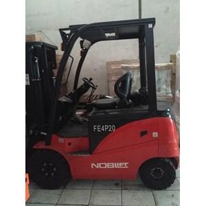 Forklift Electric 2 Ton Tinggi Angkat 3 Meter Ramah Lingkungan