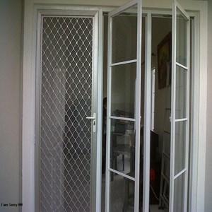 Pembuatran Pintu aluminium By PT. Sumber Sarana Makmur