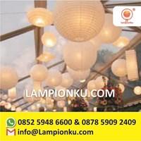 Lampion Bulat Dekorasi Restoran