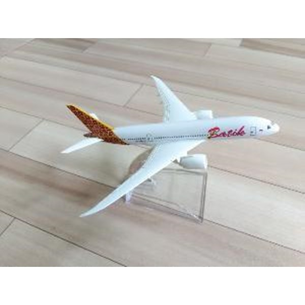 Harga Miniatur Pesawat Batik Air