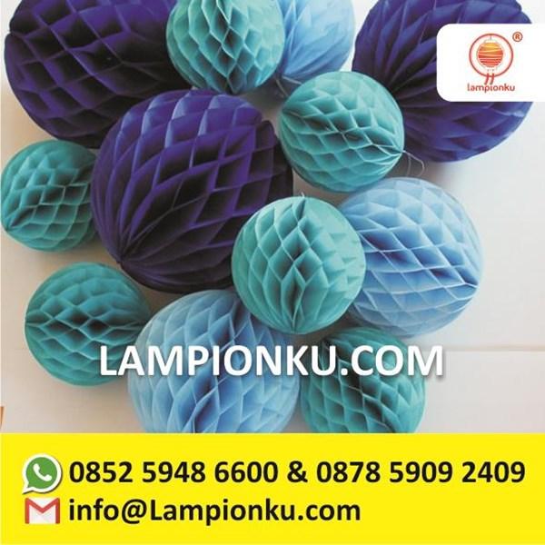 Honeycomb Paper Pom Poms