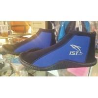 Jual Sepatu untuk Diving dan Snorkling di Karang 2