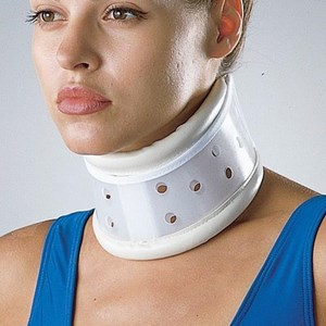 Penyangga Leher SUPPORT CERVICAL COLLAR RIGID LP 905