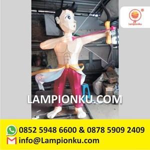 Pengrajin Lampion Karakter Heroik Jakarta
