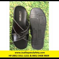 Sandal SLK Mutu Silang - Bahan Kulit Sapi - Warna Hitam