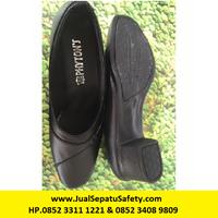Shoes Type R7 Sol James - Black