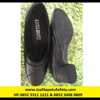 P-06 heels 5 cm - Black