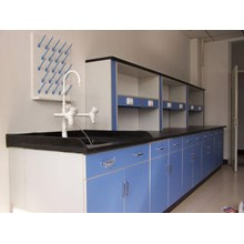 Wall Bench Laboratorium