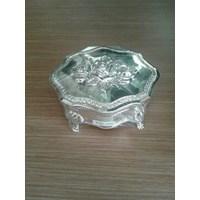 Tempat perhiasan aluminium bunga  (SB-1029)
