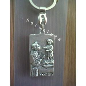 GK-20  gantungan kunci St Antonius Padua kotak