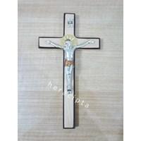 Salib Dinding Kayu Krem Lis Coklat Wcr-1647  Corpus Lingkaran Kepala 23Cm