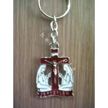 GK-03  Gantungan Kunci Maria di kaki salib merah