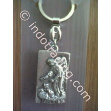 GK-20A Keychains Guardian Angel & Child
