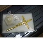 Salib Duduk Metal Kuning Emas Corpus Yesus (Besi Oval) 26Cm Sdm-35G   2
