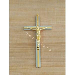 KOSONG - Mch-1720  Salib dinding besi warna Silver lis kuning emas corpus