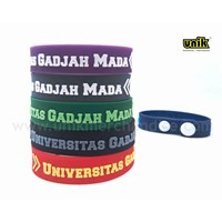 Bikin Gelang Karet Glow In The Dark Unik