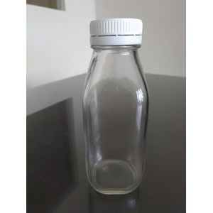 P047 300Ml Square Glass Bottle