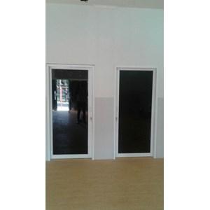 Pintu Aluminium Kaca Geser
