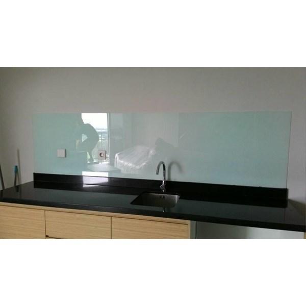 Glasstone Kaca