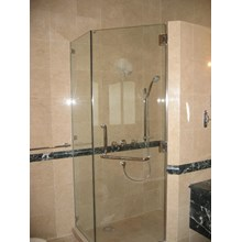 Shower Screen Kaca
