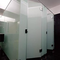 Cubicle Toilet Kaca