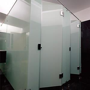 Dari Cubicle Toilet Kaca 2