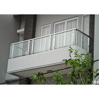 Railing Balkon Kaca