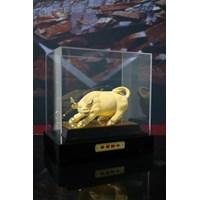 Beli Pajangan Sapi Lapisan Emas 24K Hadiah Dan Souvenir 4